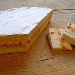 Brie fourré aux piments d\'espelette